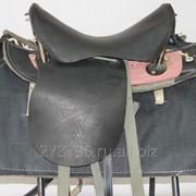 Седло кавалерийское с потником фото
