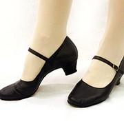 Туфли характерные женские на ремешке фото