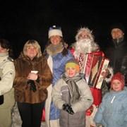 Дед Мороз с гармошкой фото