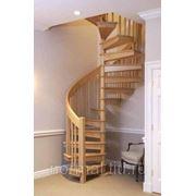 Изготовление лестниц по индивидуальному проекту фото