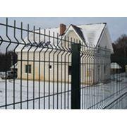 Забор из сварных металлических панелей фото