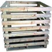 Деревянные контейнеры для овощей и фруктов. фото