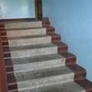 Уборка прилегающей территории, Уборка лестничных площадок.