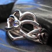 """Серебряное кольцо с Лунным камнем """"бесконечность сердца"""" от Wickerring фото"""