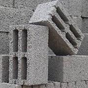 Шлакобетонный блок, керамзитобетонный фото