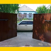 Автоматические распашные ворота фото
