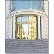 Полукруглые автоматические двери фото