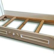 Одноместная кровать из дерева без матраса фото