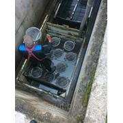 Чистка резервуаров. Откачка канализации с глубины 8-10 метров фото