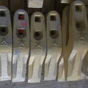 Зубья на ковш погрузчика LG953 (LG956) фото