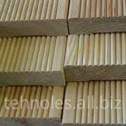 Услуга по строганию древесины. фото