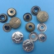Кнопки металл кольцевые d 15мм с рисунком в упаковке - 100 шт фото