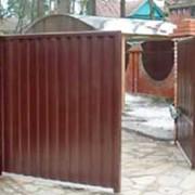 Распашные металлические ворота фото