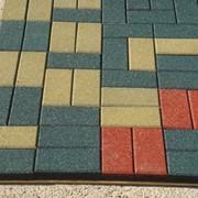 Тротуарная плитка и брусчатка из резиновой крошки фото