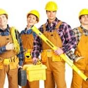 Услуги стирки или чистки спецодежы для строителей и рабочих различных специальностей. фото