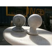 Мраморные шары на столбики фото