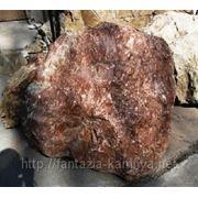 Мрамор красный с белыми прожилками оптом, доставка от 20 тонн по Сибири. фр. 80-400 мм фото