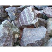 Глыба каменная габбро-диабаз фото