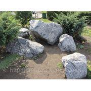 Глыба каменная мраморный известняк фр. 300-1000 кг. фото