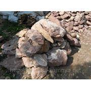 Мрамор бутовый красный с белыми прожилками 15-30 кг фото
