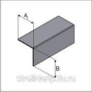 Профиль горизонтальный основной фасадный 40*40*3м (0,9мм) фото