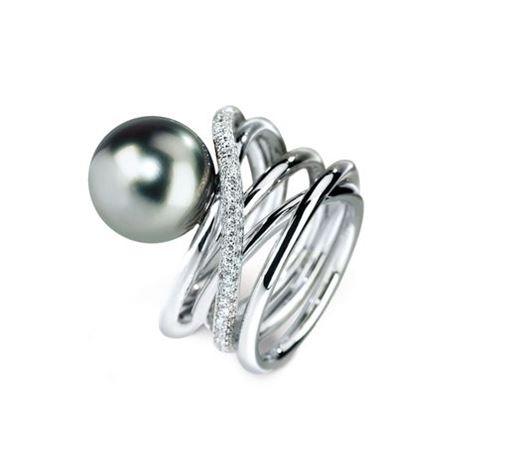 85e6b25bd6d4 Кольцо с черным жемчугом из белого золота с бриллиантами. в Кишиневе ...