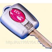 Накладка на ключ с фонариком фото