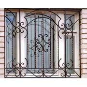 Кованая оконная решетка 2 фото