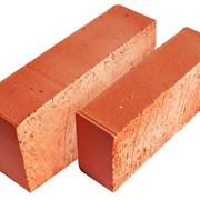 Полнотелый строительный (рядовой) кирпич фото