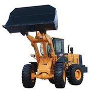 Воздушный компрессор Фронтальный погрузчик. Объем ковша 3 м3 Перевозка техники авто тралом. фото