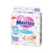 Подгузники MERRIES для новорожденных 1 (до 5 кг), 90шт фото