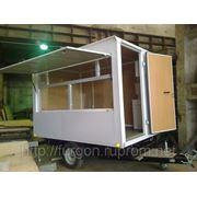 Прицеп 816001 с универсальным торговым холодильным оборудованием. фото