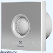 Вентилятор бытовой накладной для санузлов Electrolux Электролюкс Rainbow EAFR-150 silver фото