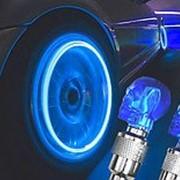 Светящиеся колпачки на ниппель Череп голубые фото