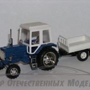 Трактор МТЗ-82 с одноосным прцепом фото