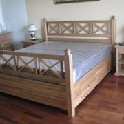Кровать деревянная фото