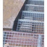 Монтаж лестниц и лестничных ограждений фото