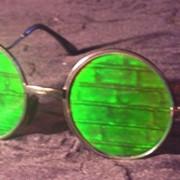 """Солнцезащитные очки с голограммами """"Стена"""" фото"""