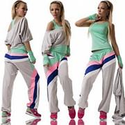 Женский спортивный костюм-четверка фото