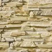 Облицовка стен диким камнем фото