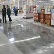 Генеральная и поддерживающая уборка прилегающих территорий при договоре ежедневного обслуживания зданий фото