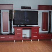 Стенки и мебель для домашних кинотеатров фото