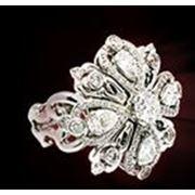 Кольца из ювелирных металлов фото
