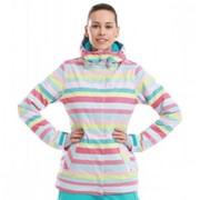 Женская стильная горнолыжная мембранная куртка фото