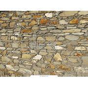 Камень природный стеновой фото