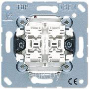 Кнопка сдвоенная без фиксации с двумя НО контактами и подсветкой 10AX 250V JUNG