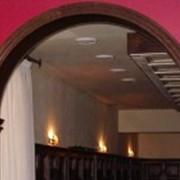 Дверные деревянные арки фото