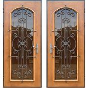 Двери входные Массив дуба + стекло и ковка фото