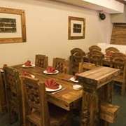 Деревянные столы, стулья для кафе и рестаранов фото