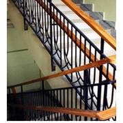 Ограждение лестниц фото